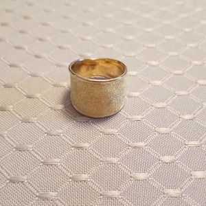 Jewelry - Cigar band style ring